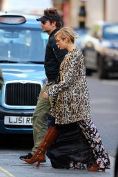 Sienna Miller Style - Out for Lunch at Scott