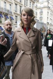 Taylor Swift at Europe 1 Radio Station in Paris - October 2014