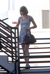 Taylor Swift Leggy - Out in Los Angeles, October 2014