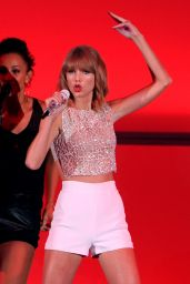 Taylor Swift Performs at We Can Survive 2014 in Los Angeles