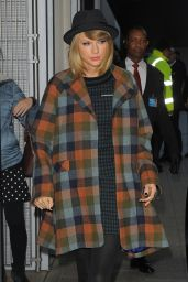 Taylor Swift Street Style - Out in London - October 2014