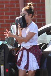Vanessa Hudgens Arriving at an Acupuncture Clinic in Los Angeles, Sept. 2014