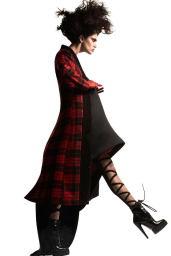 Amanda-Wellsh-2014-Vogue-11