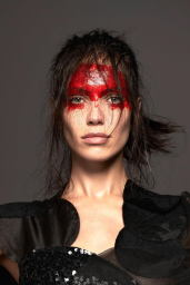 Amanda-Wellsh-2014-Vogue-14