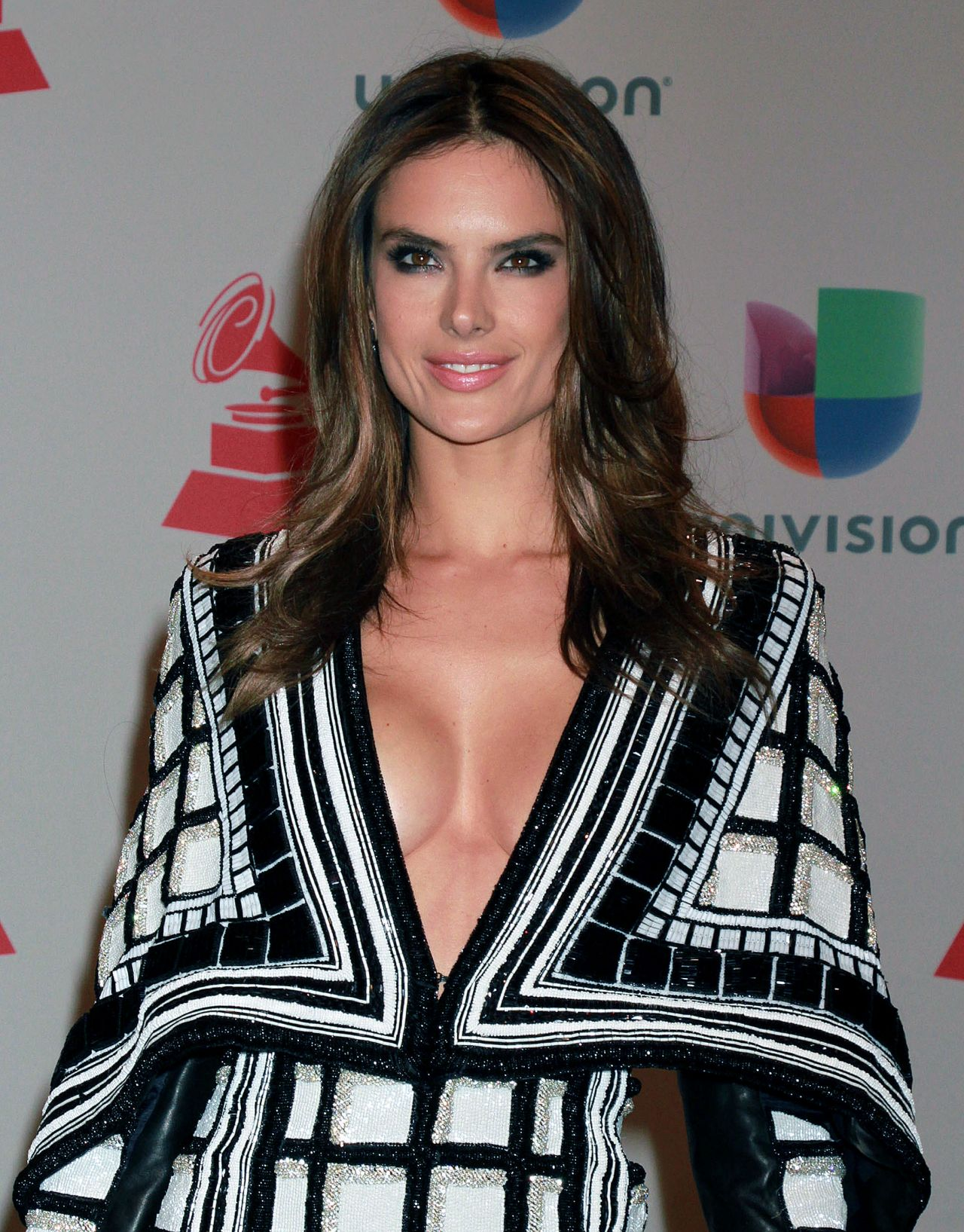 Alessandra Ambrosio - 2014 Latin GRAMMY Awards in Las Vegas