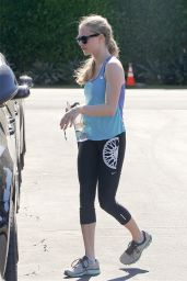 Amanda Seyfried in Leggings - Leaving the gym in Beverly Hills - Nov. 2014