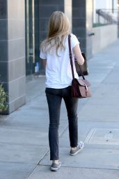 Amanda Seyfried Street Style - Out in Beverly Hills - November 2014
