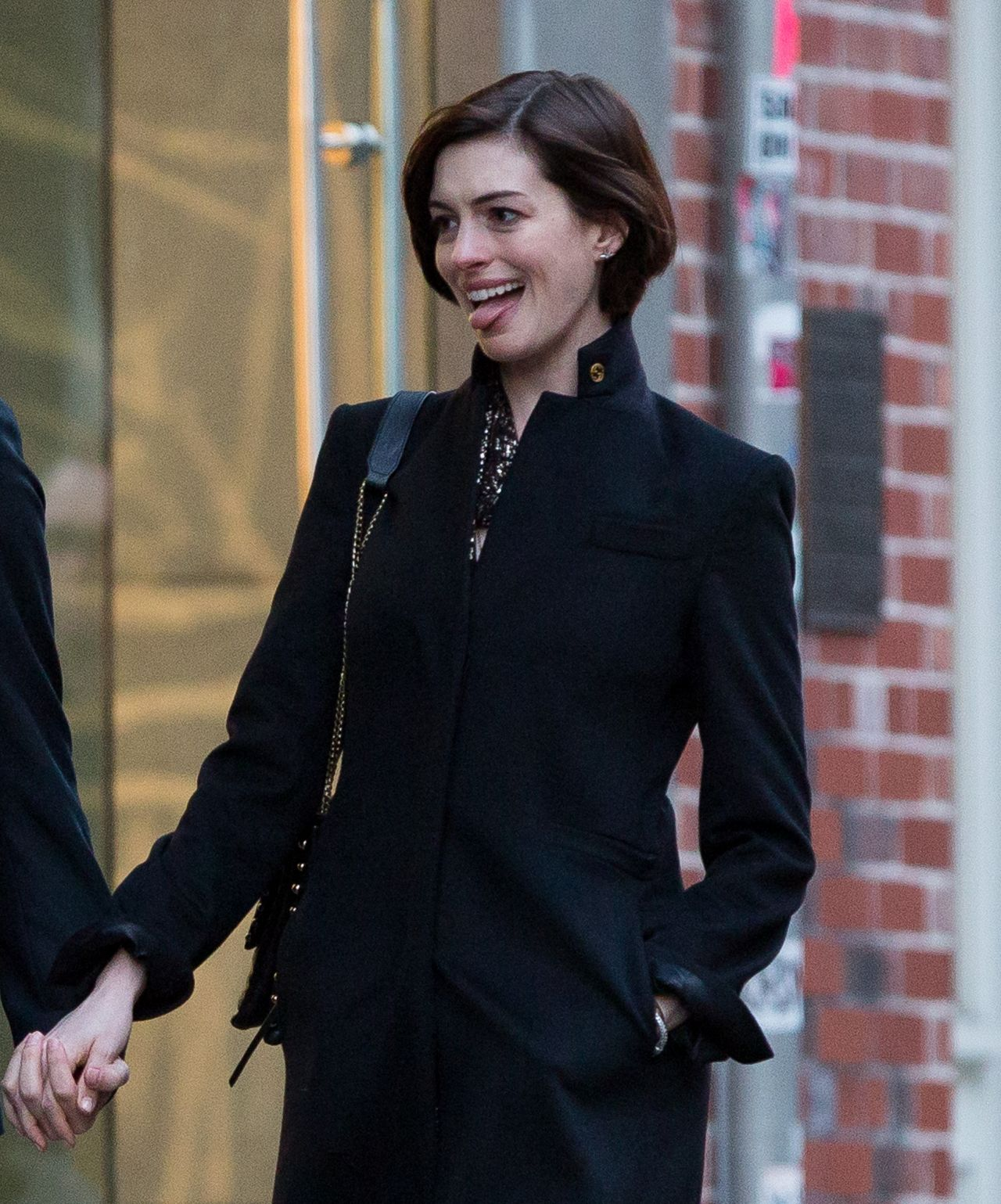 Anne Hathaway Spouse: Anne Hathaway With Her Husband Adam Shulman