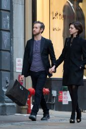 Anne Hathaway With Her Husband Adam Shulman - Leaving Their Hotel in New York City - Nov. 2014