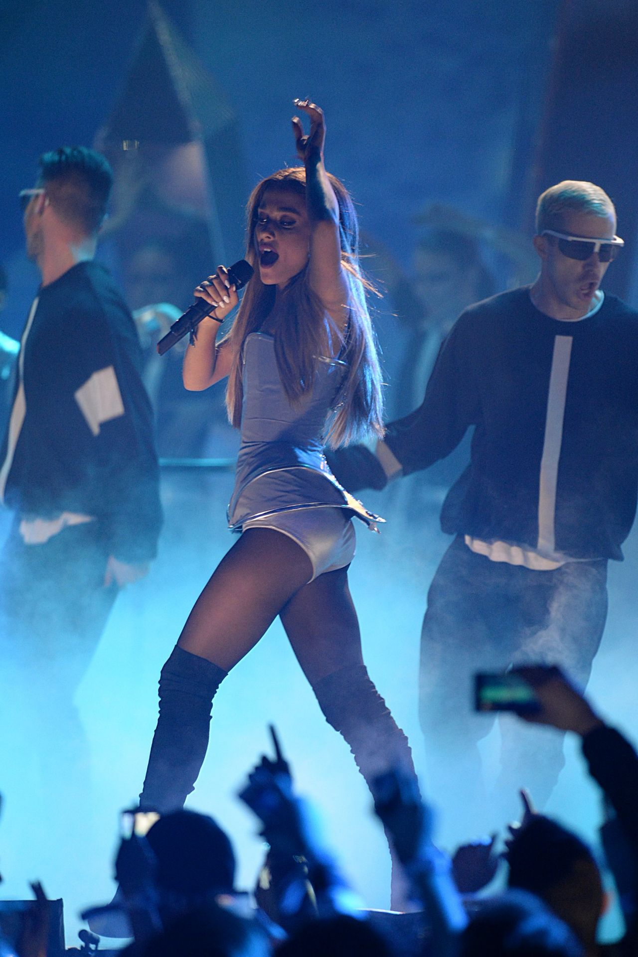 Ariana Grande Performs at MTV EMA's 2014 in Glasgow