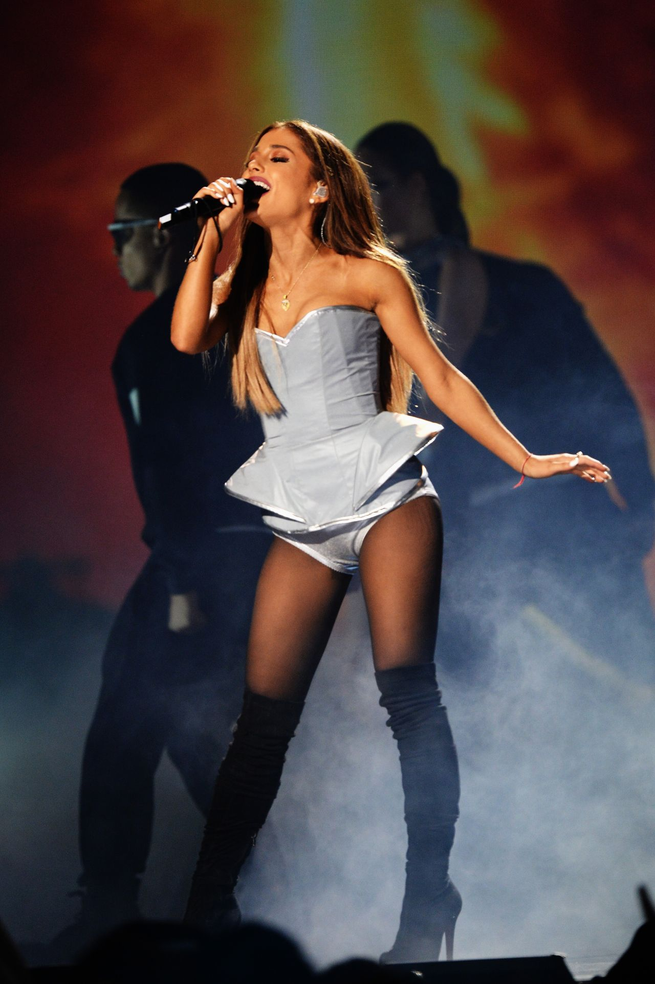 Ariana Grande Performs At Mtv Ema S 2014 In Glasgow