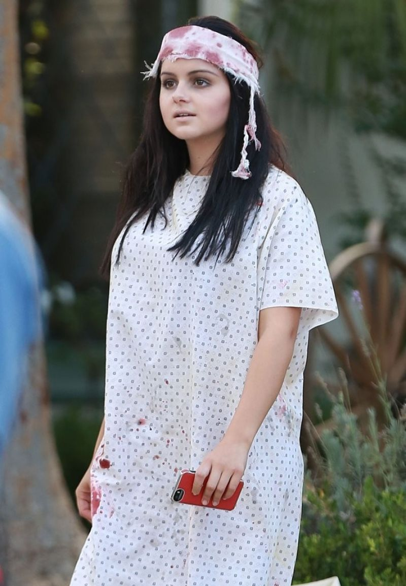 Ariel Winter - Modern Family 'Halloween' Episode Set ...