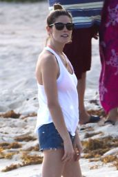 Ashley Greene on the Beach in Cancun (Mexico) - November 2014