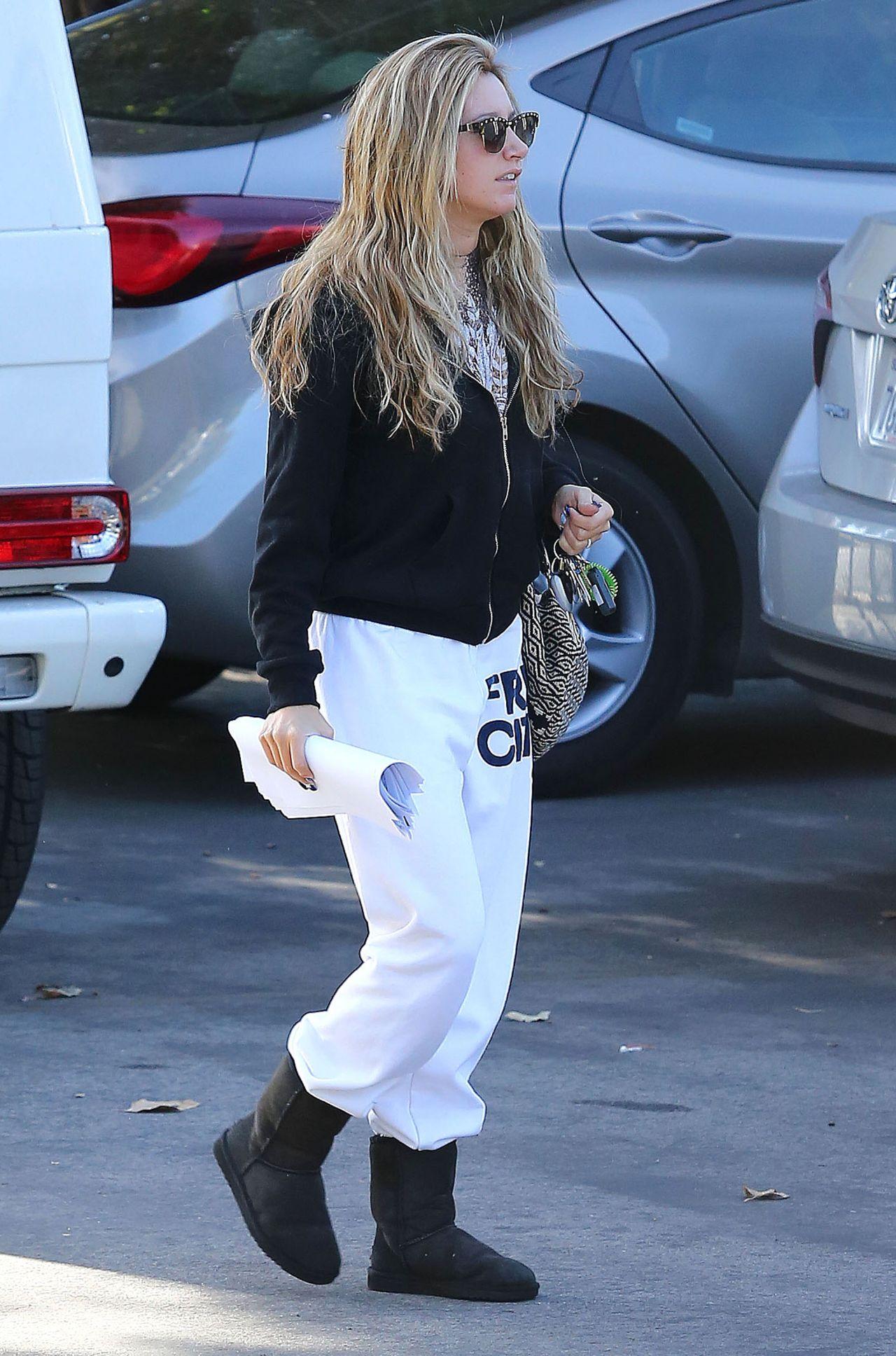 Daleela Echahly Street Fashion: Ashley Tisdale Latest Photos