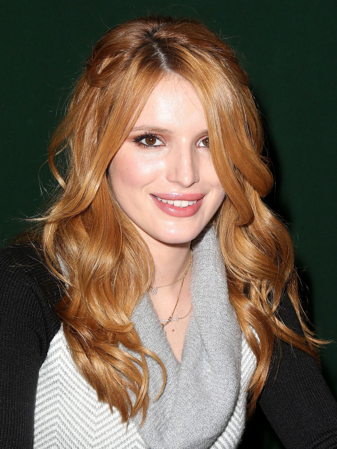 Bella Thorne - 'Autumn Falls' Book Signing at Barnes & Noble in New
