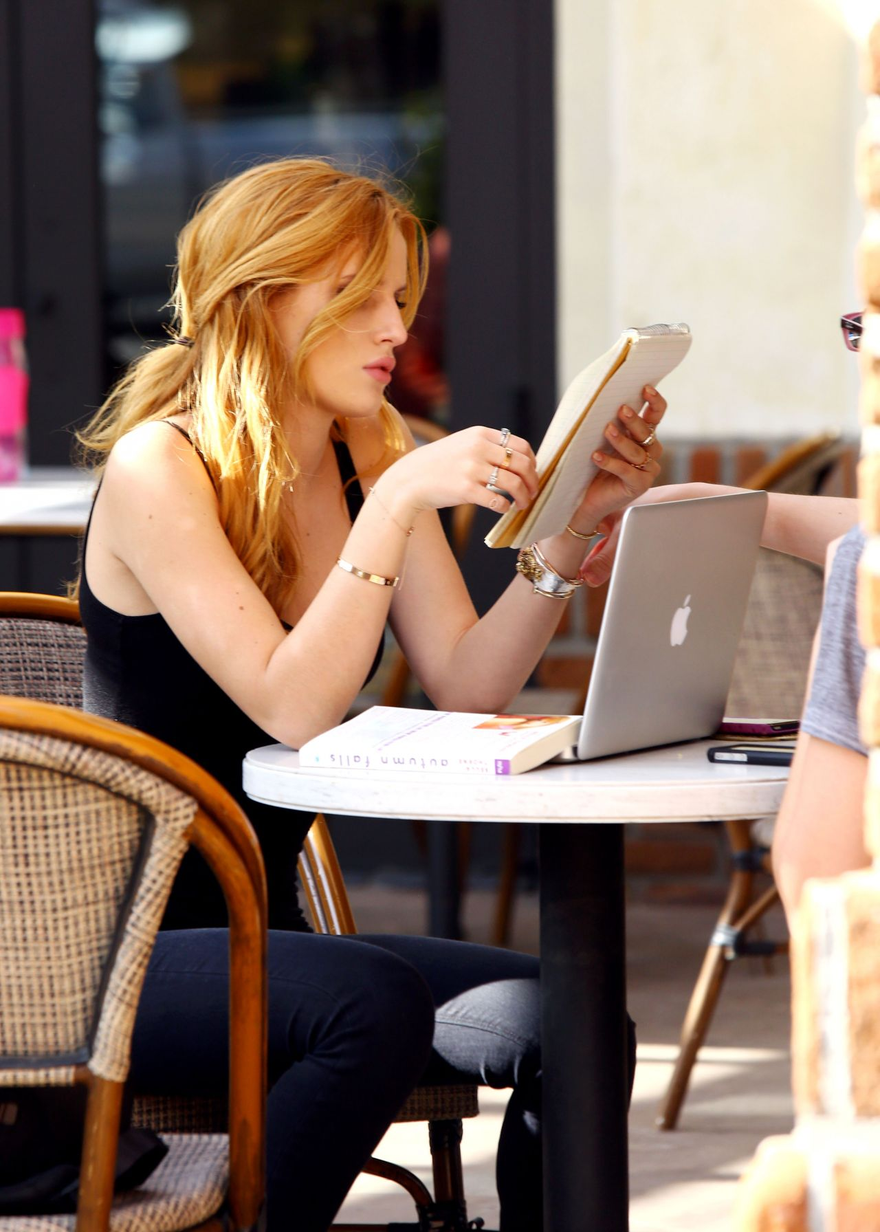 Bella Thorne reading