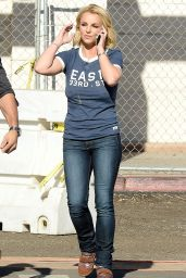 Britney Spears in Jeans - Out in Los Angeles - November 2014