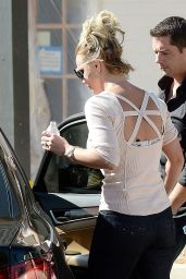 Britney Spears Street Fashion - Out in Thousand Oaks - November 2014