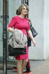 Charlotte Hawkins - Leaving the London Studios - November 2014
