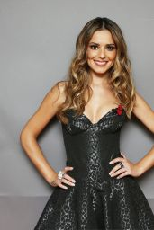 Cheryl Fernandez-Versini - Poses Backstage at