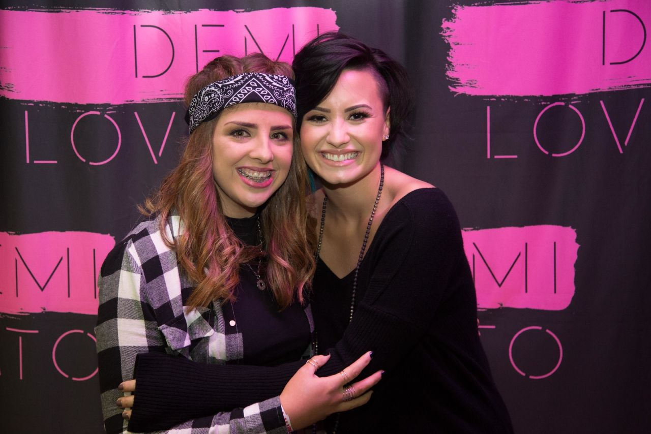 Demi Lovato Her Meet Greet In Dublin Ireland November 2014