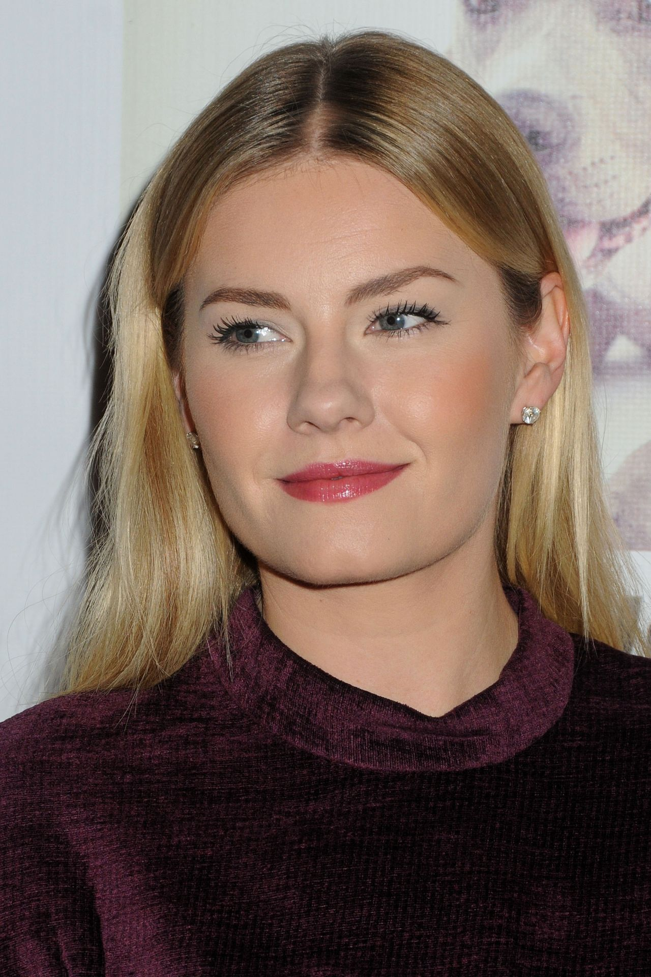 Elisha Cuthbert 2014 Stand Up For The Pits Event In