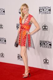 Elizabeth Banks – 2014 American Music Awards in Los Angeles