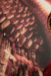 Elizabeth Banks -