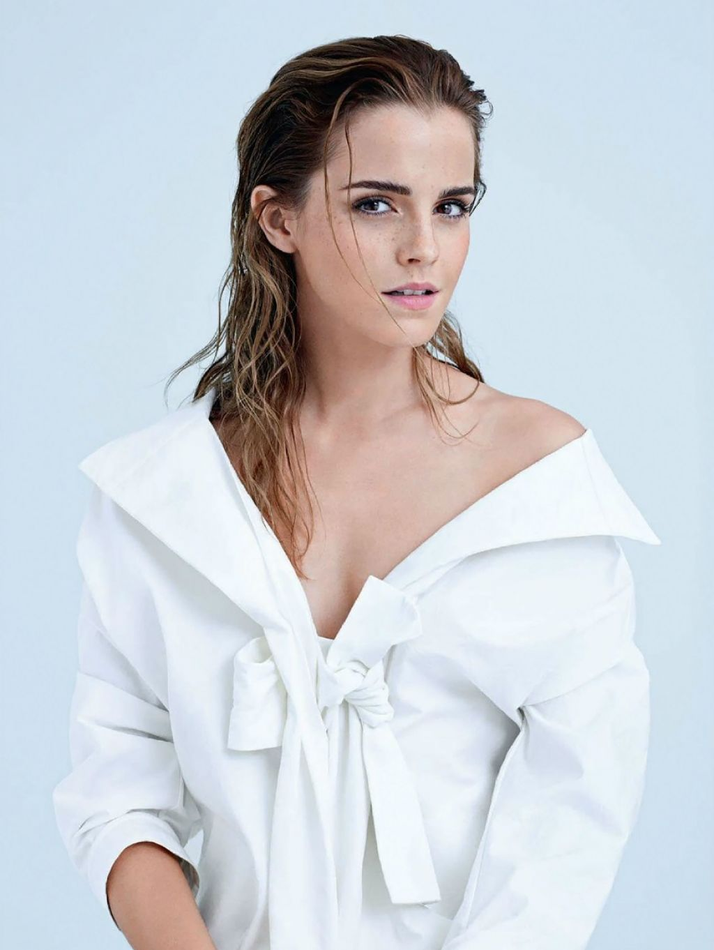Emma Watson – Photoshoot for Elle Magazine (UK) December 2014
