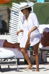 Eva Longoria in a Bikini on the Beach in Miami - November 2014