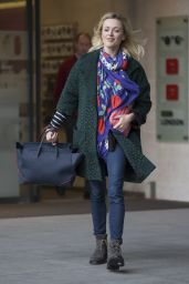 Fearne Cotton - Leaving the BBC Radio 1 Studios in London - November 2014