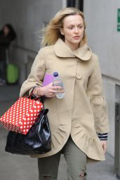 Fearne Cotton Style - BBC Radio 1 Studios in London - November 2014