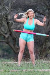 Frankie Essex Weight-Loss Mission - Working Out in a Park in Essex - November 2014