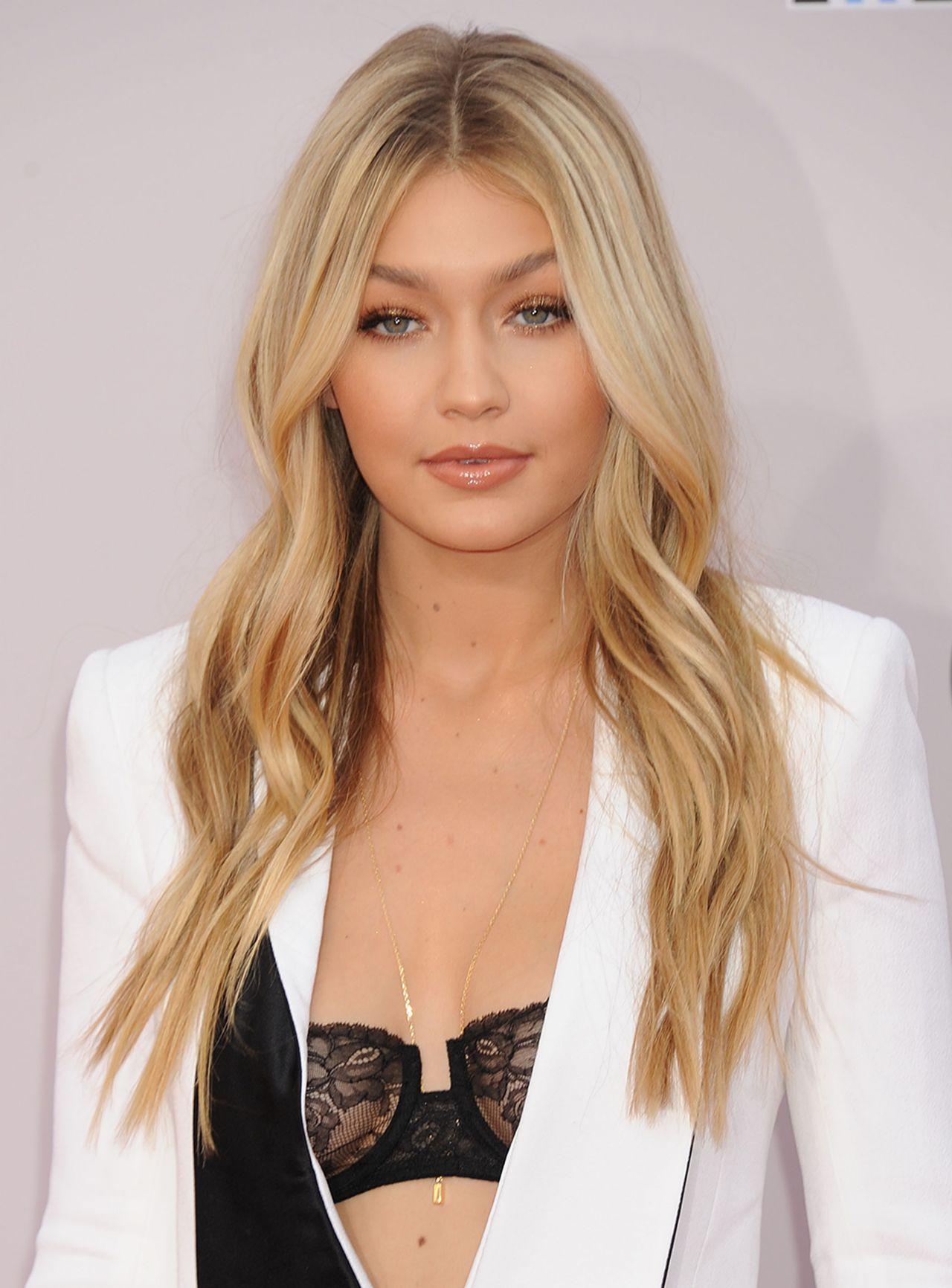 Gigi Hadid S 6 Drugstore Lipstick Is A Kylie Lip Kit Dupe: Gigi Hadid Red Carpet Photos