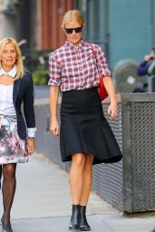 Gwyneth Paltrow Street Fashion - on the Streets of New York City - November 2014