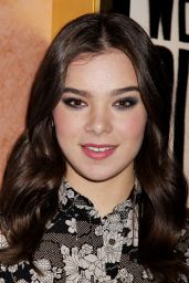 Hailee Steinfeld - Pitch Perfect Sing Along Screening in New York City