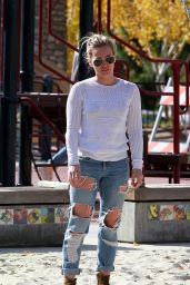 Hilary Duff in Ripped Jeans - Out for Breakfast in West Hollywood - November 2014