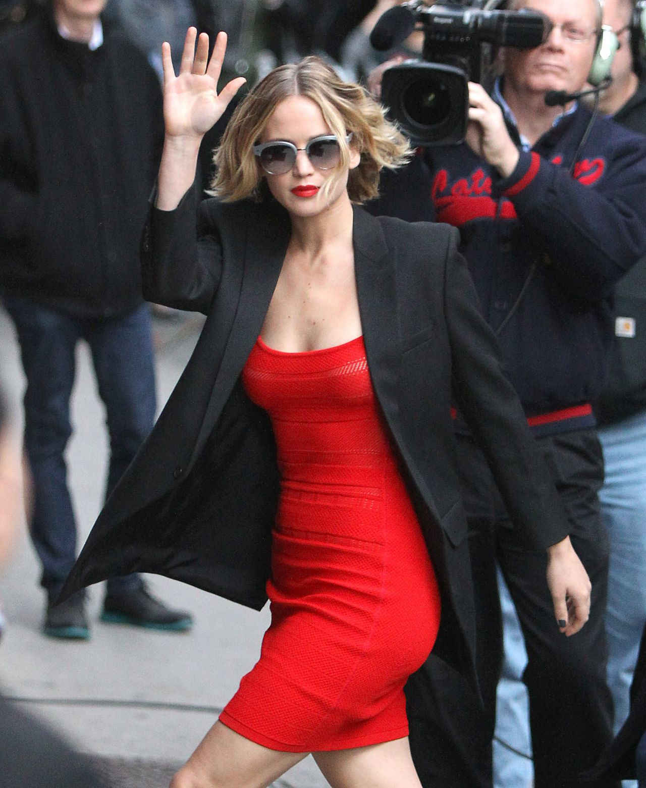 Jennifer Lawrence Arriving to Appear on