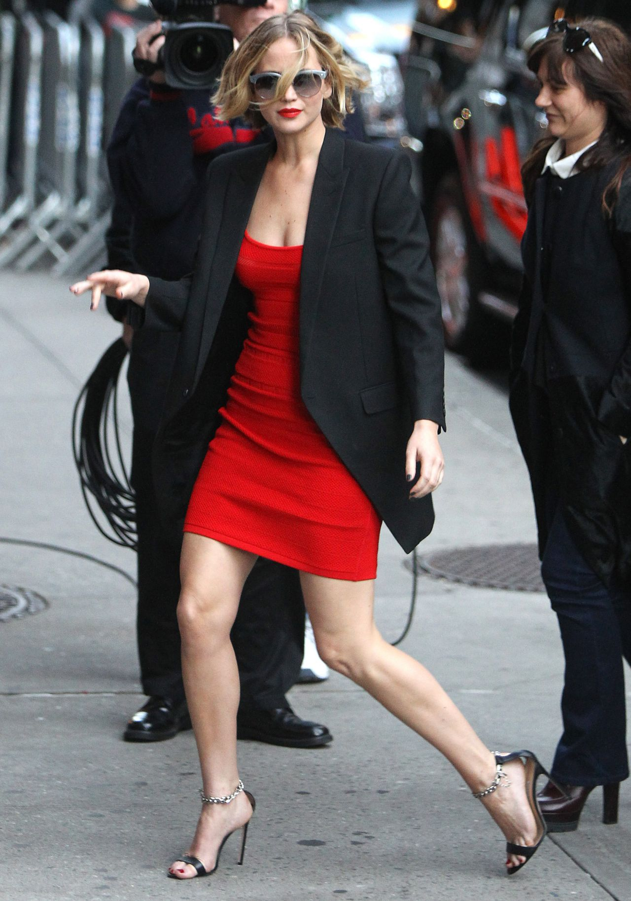 http://celebmafia.com/wp-content/uploads/2014/11/jennifer-lawrence-arriving-to-appear-on-late-show-with-david-letterman-in-new-york-city-nov.-2014_7.jpg