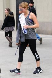 Jennifer Lawrence in Leggings - Leaving the Gym in New York City, Nov. 2014
