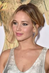 Jennifer Lawrence – 'The Hunger Games: Mockingjay Part 1′ Premiere in Los Angeles