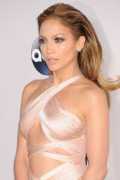 Jennifer Lopez on Red Carpet - 2014 American Music Awards in Los Angeles