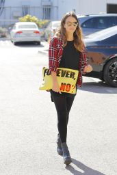Jessica Alba in Leggings - Out in Santa Monica - November 2014