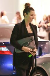 Jessica Biel Casual Style - Leaving CAA Building in Los Angeles - Nov. 2014