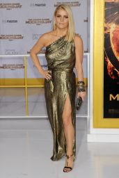 Jessica Simpson – 'The Hunger Games: Mockingjay Part 1′ Premiere in Los Angeles