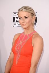 Julianne Hough on Red Carpet – 2014 American Music Awards in Los Angeles