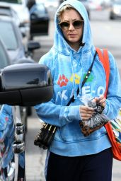 Kaley Cuoco - Leaving Yoga Class in Los Angeles, November 2014
