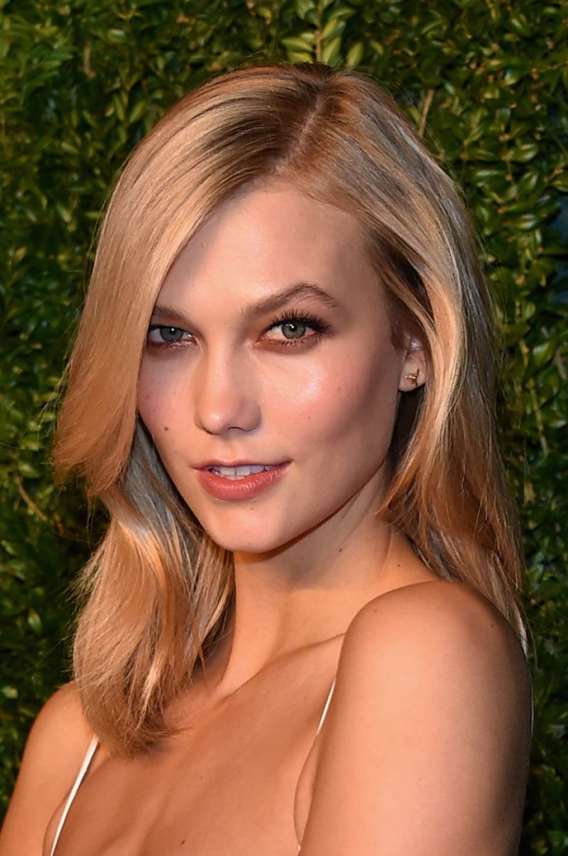 Karlie Kloss 2014 CFDAVogue Fashion Fund Awards In New