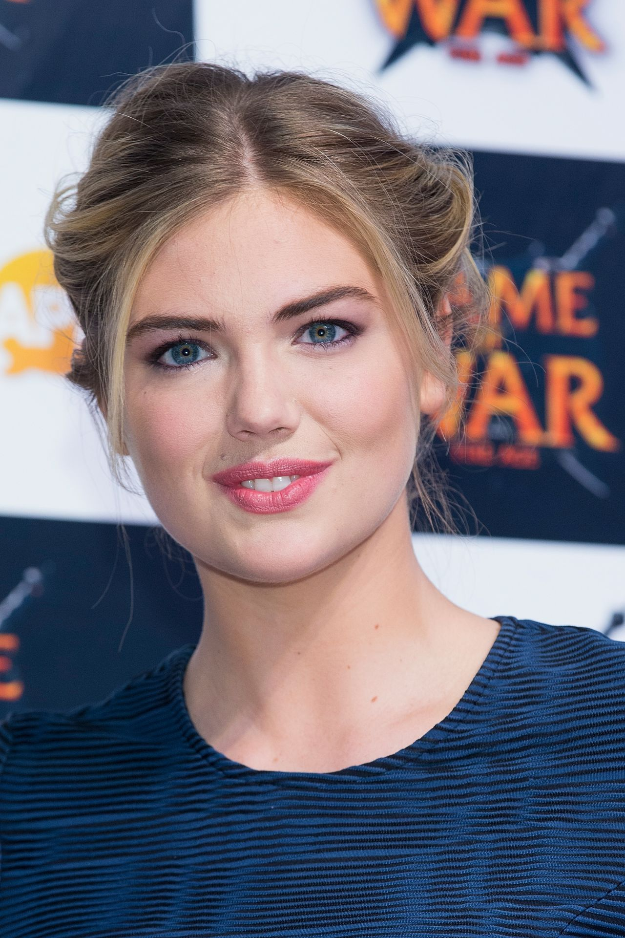 Kate upton game of war fire age promotional event in