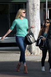 Kate Upton in Tight Jeans - Out in Los Angeles, November 2014